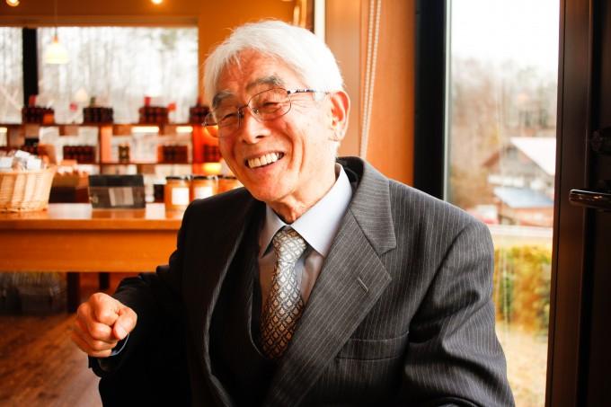 【写真】インタビューに笑顔で応えるりゅういちさん