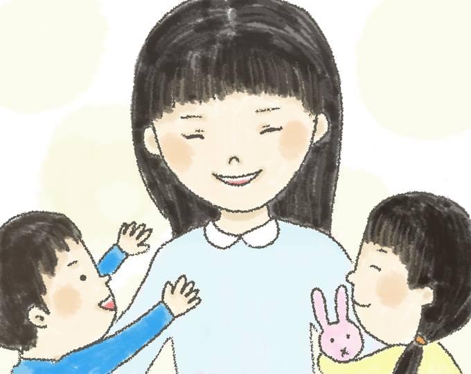 【イラスト】男の子と女の子の子供を笑顔で抱くみわきららさん