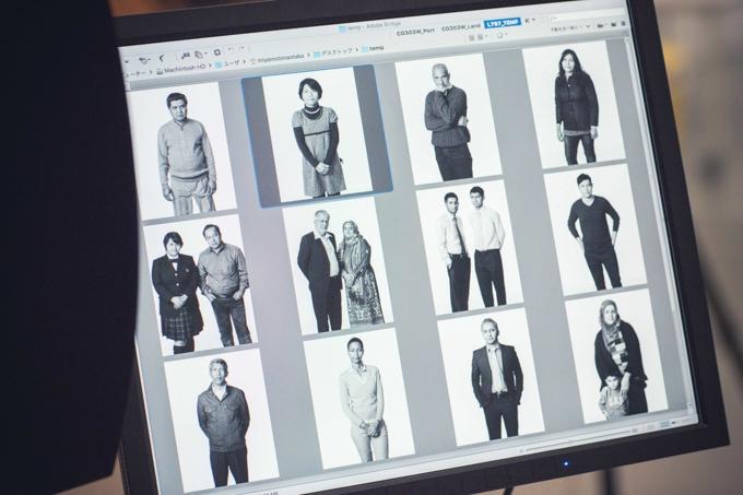 【写真】パソコンの画面に撮影した難民の方の写真が並んでいる。