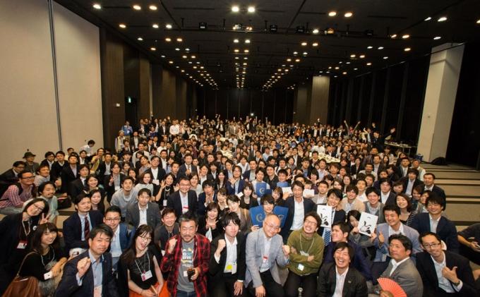「シンビジ」にはたくさんの参加者が集まる photo by Kohichi Ogasahara