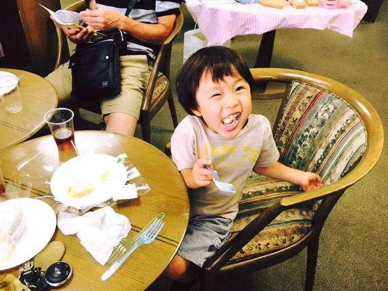 ケーキを食べることが出来たお子さんの、この笑顔!