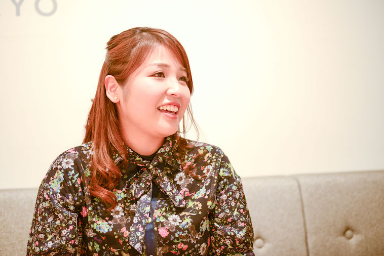 【写真】笑顔でインタビューに応えるなおさん