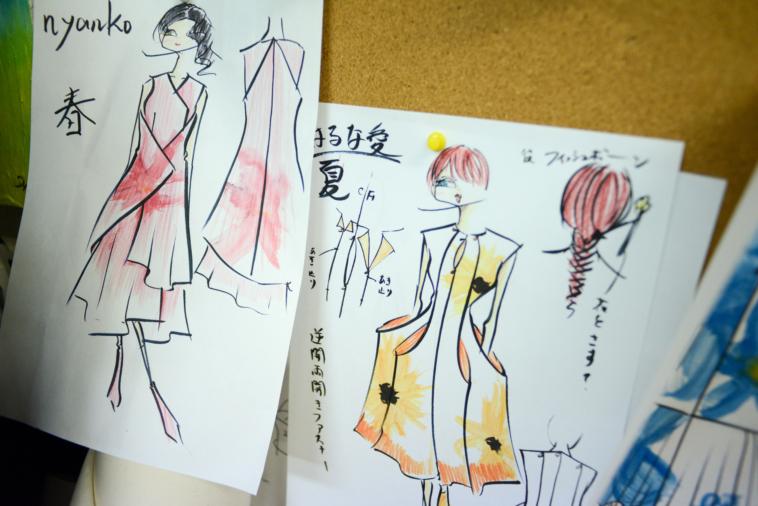 【写真】ファッションショーで使う服のイラスト