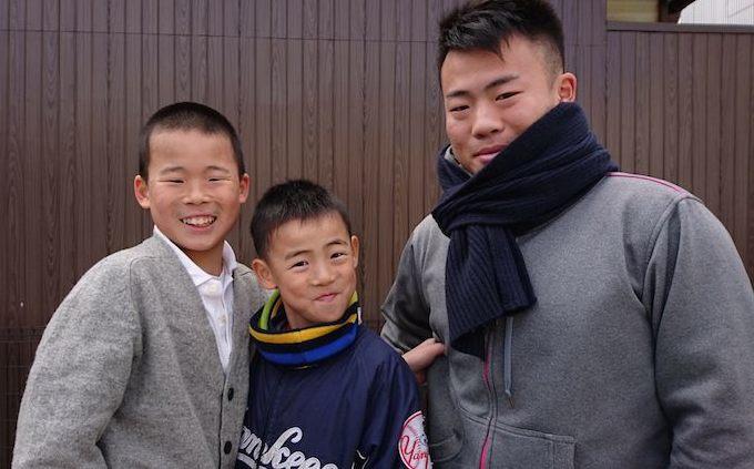 【写真】笑顔3人の息子さん