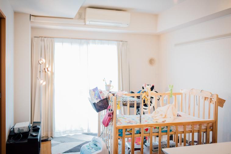 【写真】かなざわさんの自宅の様子。なおちゃんのベッドが置かれている