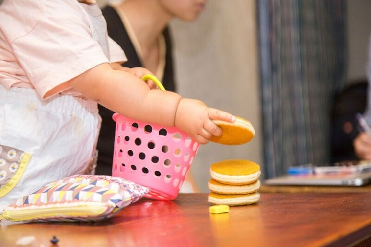 【写真】フェルトで作られたパンケーキのおもちゃ