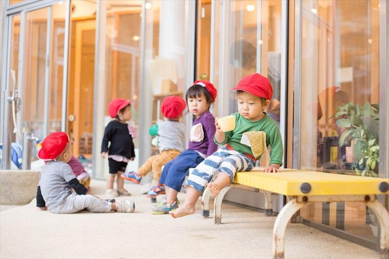 【写真】どろんこ保育園であそぶ子どもたち