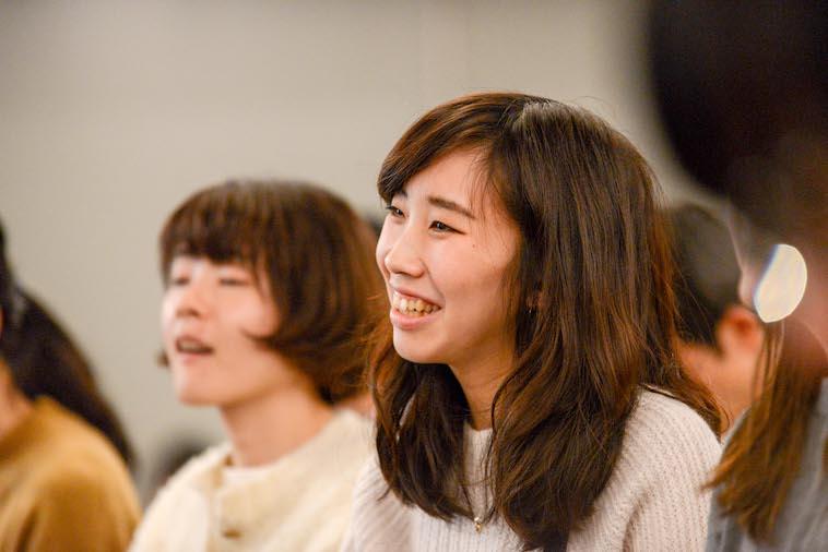 【写真】笑顔を見せる参加者の女性