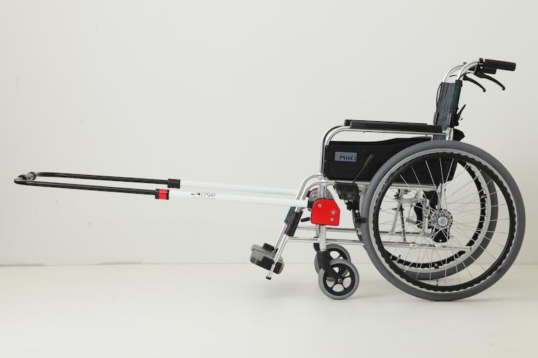 【写真】車椅子に常に取り付けておくタイプのJINRIKI