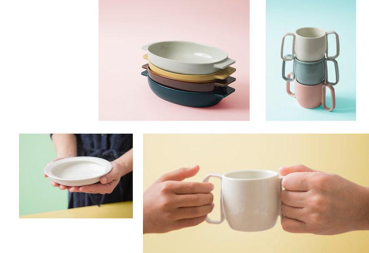 【写真】両手でプレートを持つ、子どもにマグカップを渡す等想定される状況を伝える