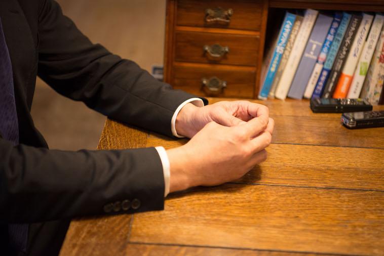 【写真】インタビューに応えるしもがわらさん。