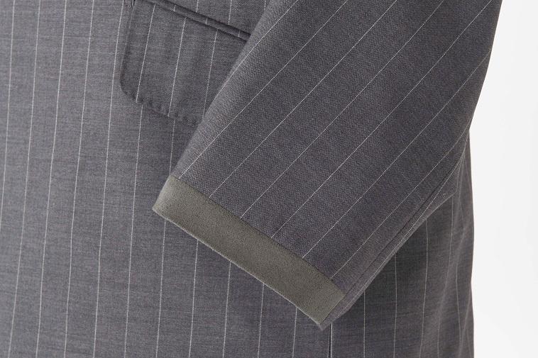 【写真】摩耗しやすい部分に縫い付けた人工皮革
