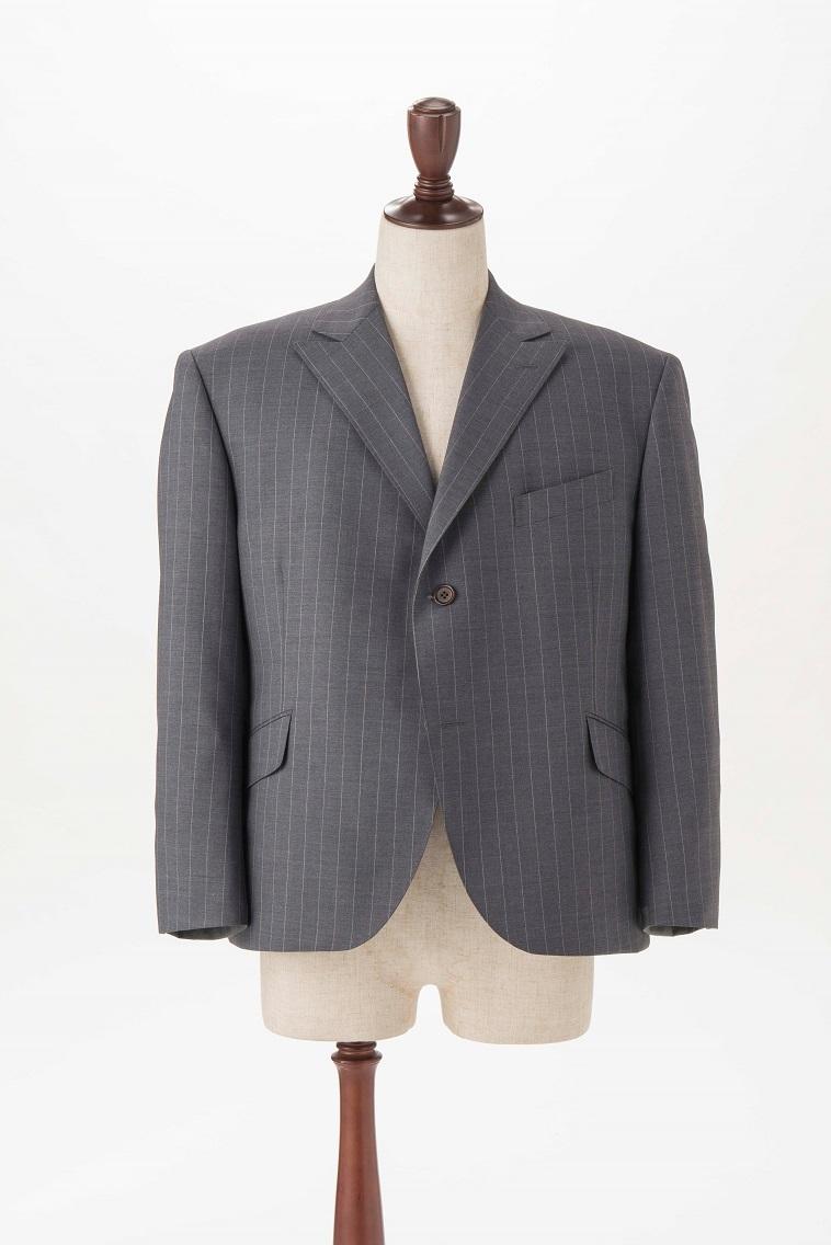 【写真】裾がまくれ上がらないジャケット丈