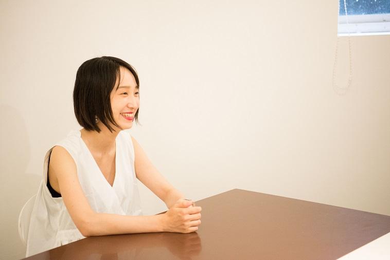 【写真】笑顔で話すとくるりかさん