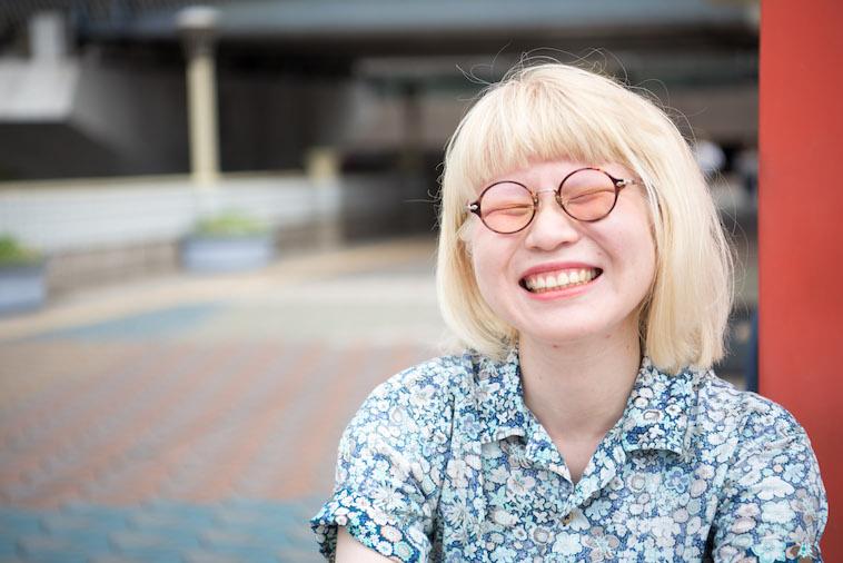 【写真】満面の笑みをうかべるかんばらゆかさん