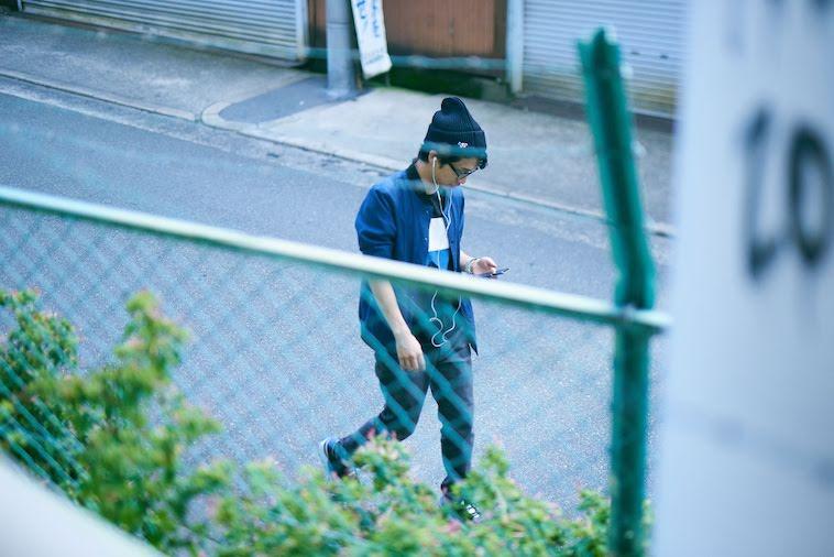 【写真】音楽を聴きながら歩くかないつかさん