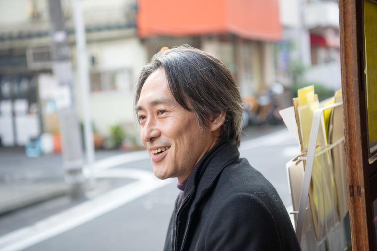 【写真】笑顔で話をするさかくらきょうすけさん