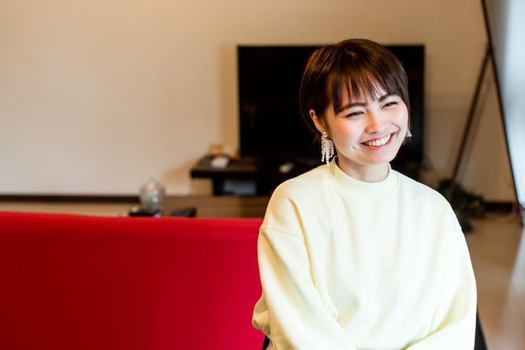 【写真】笑顔でインタビューに答えるたなかれいかさん