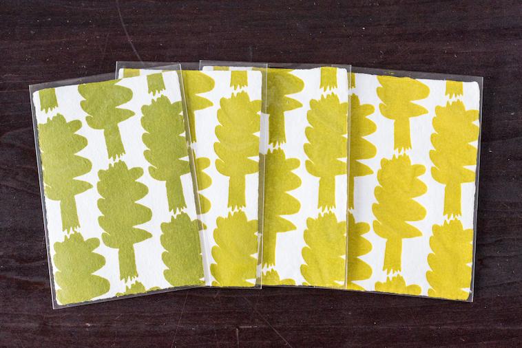 【写真】印刷するたびに少しずつ色が異なるポストカード