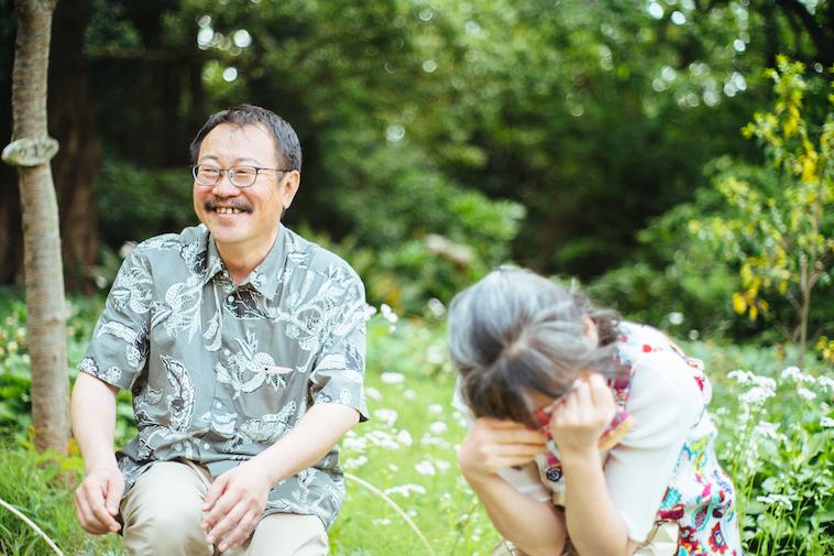 【写真】笑顔でインタビューに答えるおさむさんとゆみこさん