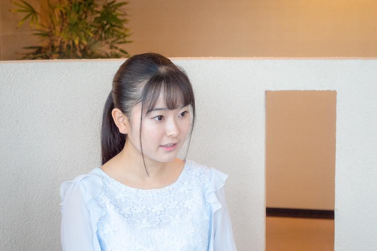 【写真】インタビューに答える姉まりあさん