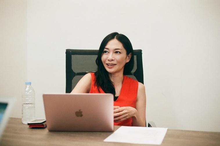 【写真】インタビューに応える小澤さん