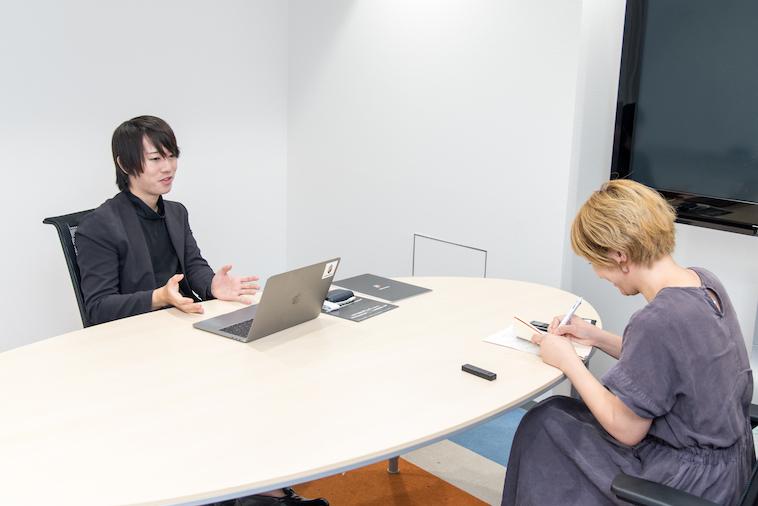 【写真】インタビューに答えるほしさんとライターのくりもとちひろさん