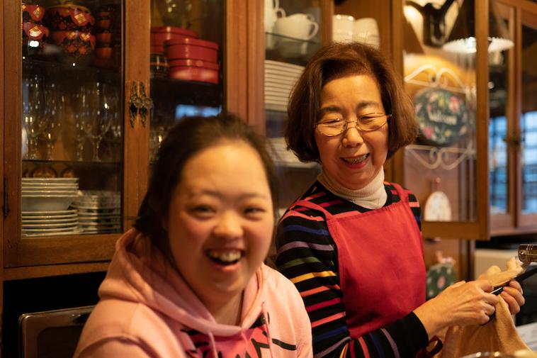 【写真】ひろこさんと笑顔のしょうこさん